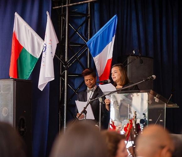 La cérémonie officielle de la célébration du 35ème anniversaire de La Clairefontaine, qui a eu lieu au Lycée Ambodivoanjo, le 20 Avril 2018 dernier.